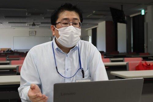 看護学部スタートアップ看護ゼミ「働く上でのルール」をテーマにオンライン講義を実施.03