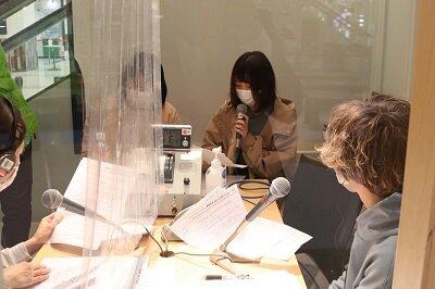 学生がパーソナリティを担当するラジオ番組をご紹介します.05